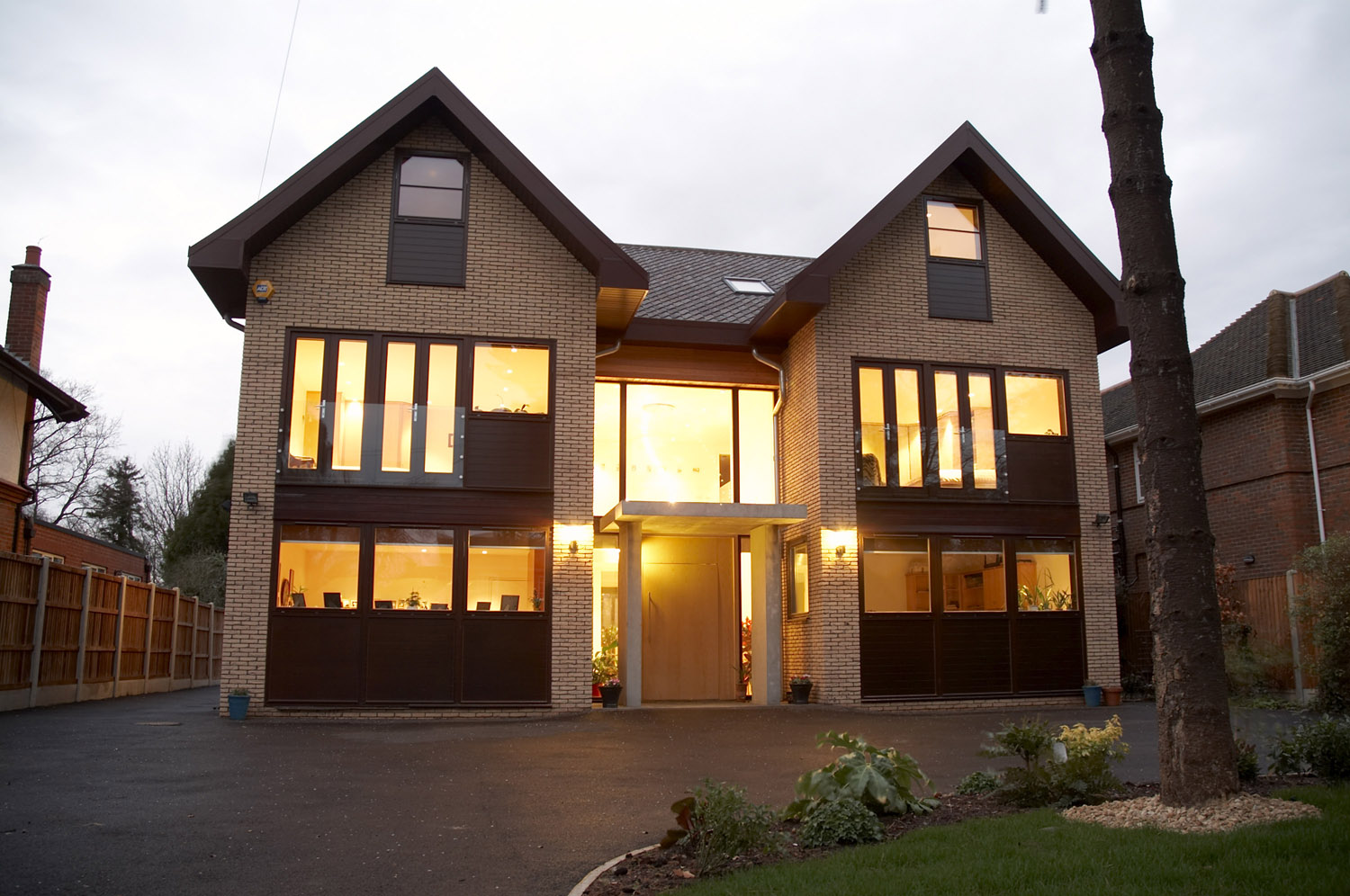 21 in addition La Moraleja 2 further ka Holzbau likewise Dallas further English American Country Style. on modern house home